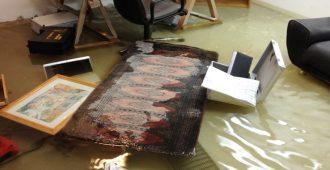 Keller steht unter Wasser und muss abgepumpt werden